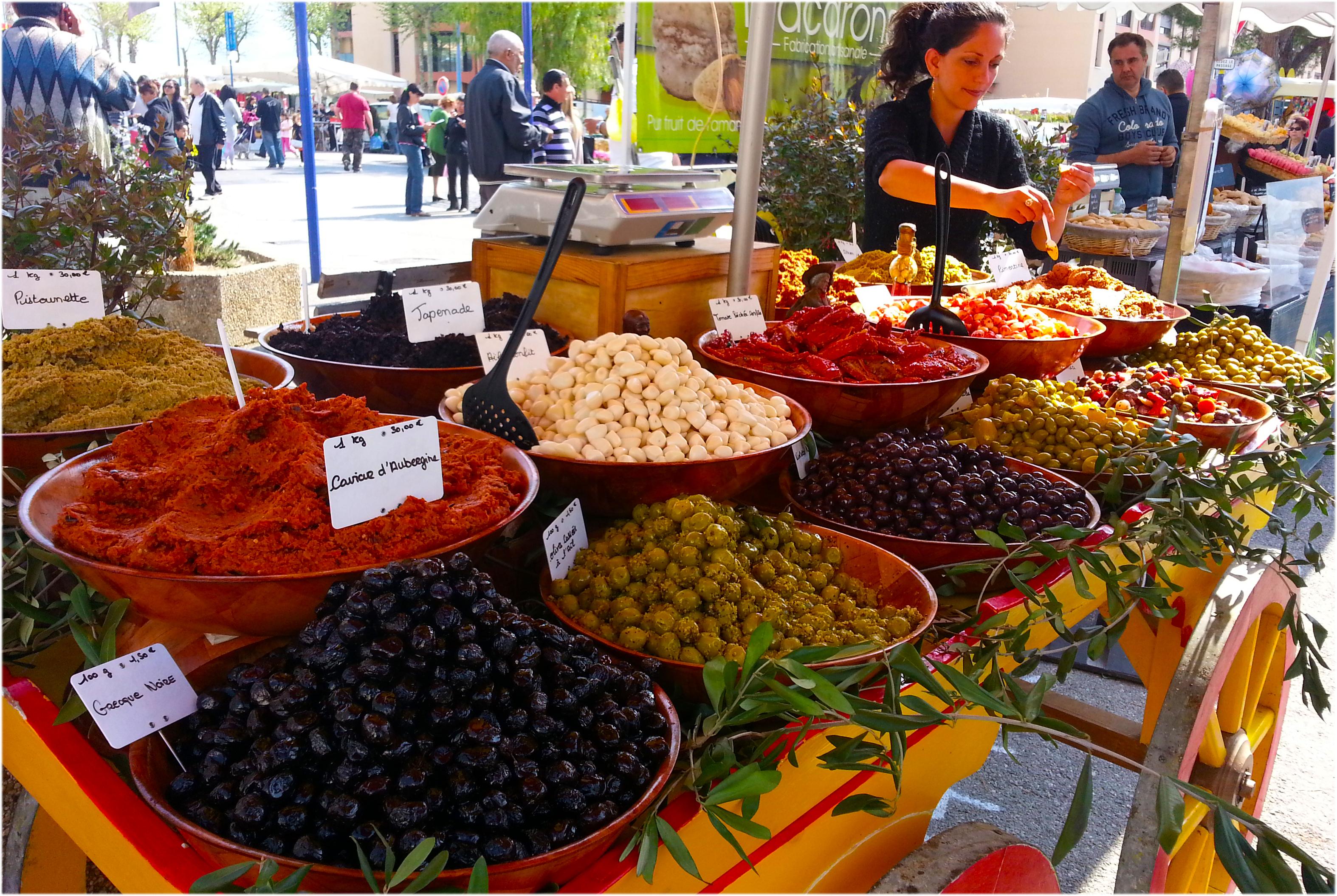 Stand d'olives et tapenades