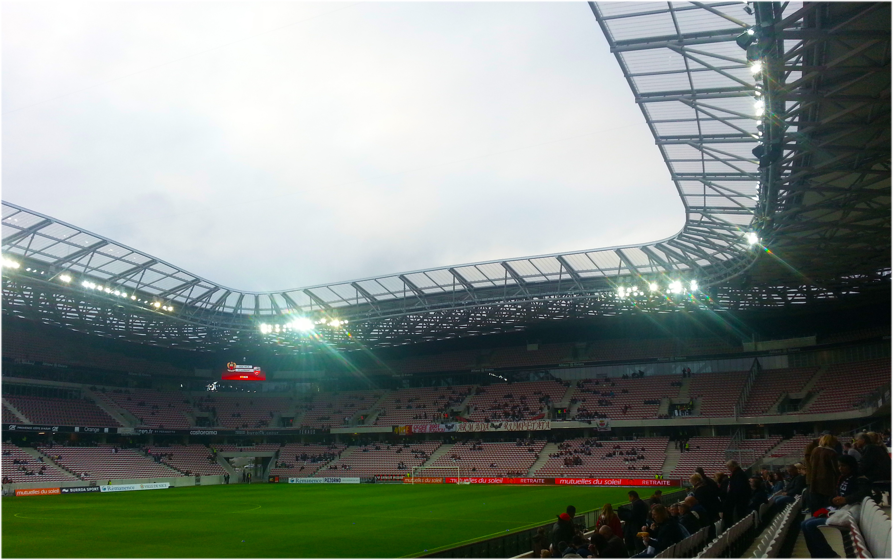 La tribune Ray au Nord de l'Allianz Riviera