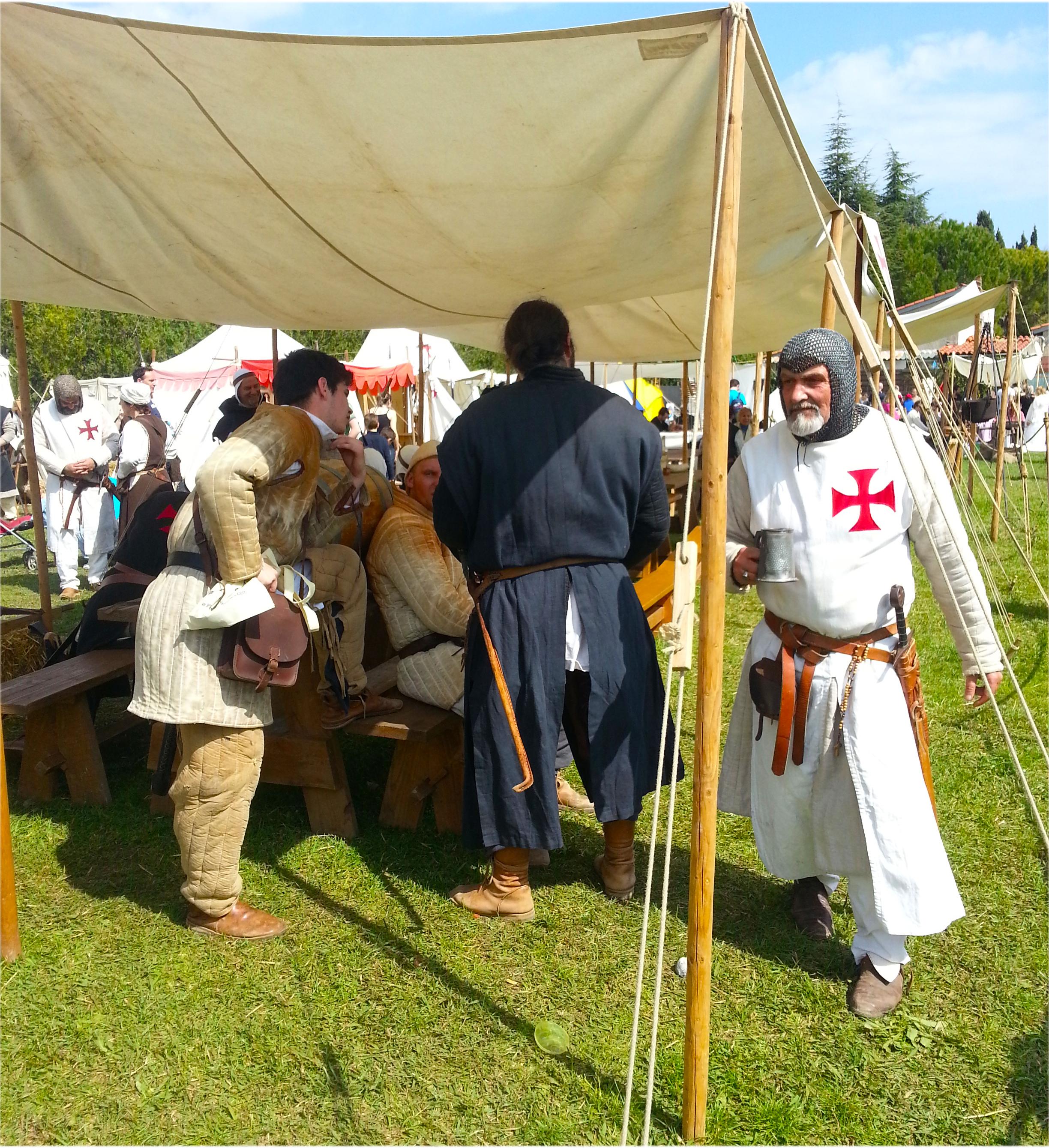 personnage médiéval Biot et les Templiers