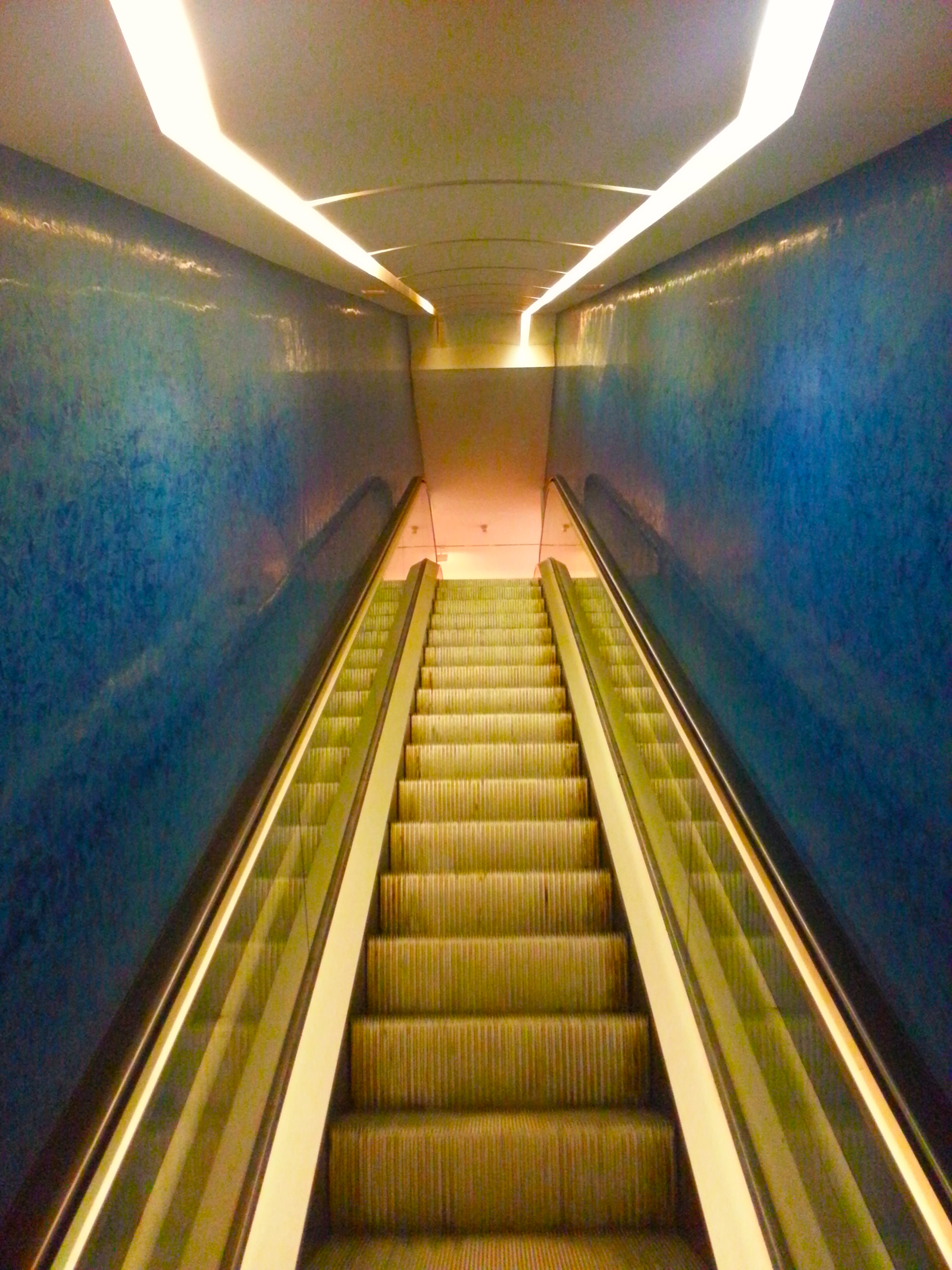 escalier MAMAC Nice