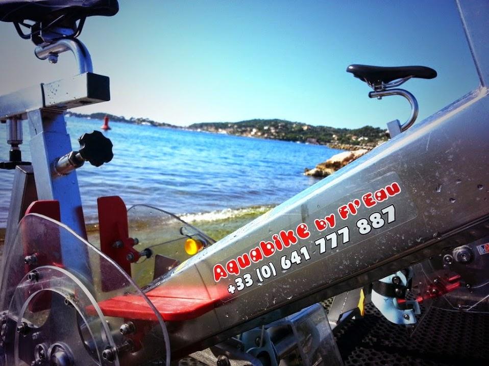Aquabike en mer sur la Côte d'Azur