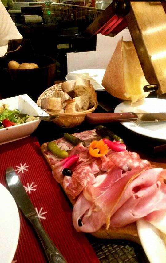 raclette montagne valberg restaurant le refuge