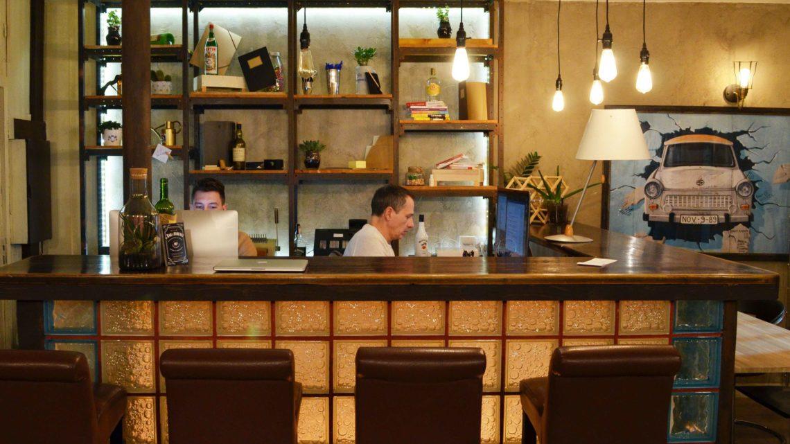 Le bar à bureaux coworking à nice nice et côte d azur